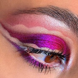 Come non innamorarsi di Roberta @colouredplace e dei pigmenti Cupio utilizzati per questo look? 💜  #cupio #cupiomakeup #makeupartist #makeupoftheday #motd #beauty #makeupaddict #cosmetics #model #makeuplover #makeuptrends #trucco #truccoocchi #makeupinspiration #creativemakeup #makeupinspo #neutralmakeup #mua