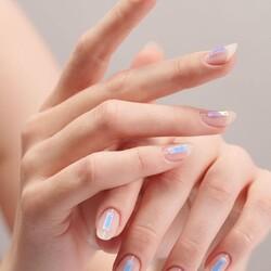 Nailart Minimal ma d'effetto by @connie.b.nails 💅🏻💫  ✨Prodotti utillizzati✨ - Neo glass builder gel,  - Perfect matte finish  - Gel design Spider white _______________________ ✨ 𝐒𝐇𝐎𝐏 𝐎𝐍𝐋𝐈𝐍𝐄 ✨ Tap sul post o link in bio  #Cupio #MagicBeauty #CupioNails #NewYear #2021 #nailart #glitter #gel #ricostruzionegel #unghie #ricostruzioneunghie #unghiegel #nailartist #nailtrainer #2020trend #nailarttrend #instanails #minimalnails #nailstagram #nailsofinstagram #cupiomagicbeauty #perfectnails #naillover #nailaddict