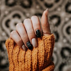 Zucchetta o streghetta? Preparati alla festa più tenebrosa e divertente dell'anno con i prodotti #Cupio e libera la tua creatività. Tantissime decorazioni per la tua nailart sono scontate fino al 20% ancora per poche ore!  ____________________   𝐎𝐅𝐅𝐈𝐂𝐈𝐀𝐋 𝐒𝐇𝐎𝐏 ✨ www.cupio.it ✨  #Cupiolover #cupiomakeup #instanails #nailaddict #naillover #nailstagram #adesivi #decor #design #3d #halloween #autumn #nailsofinstagram #nailsoftheday #nails2inspire #nailart #nailstyle #cupiolover #unghie #unghiegel #ricostruzioneunghie #manicure #nailtechnician #nailtech