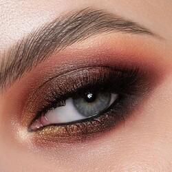 Colorful make-up con la Pretty Fabulous palette di #Cupio   ✨Make-up: @oana_maria.popa ✨Photographer: @liviupopa.photo  #Cupio #CupioMakeup #beauty #makeup #mua #PrettyFabulous #CupioSummer #makeupaddict #makeuplover #makeuplooks #instamakeup #eyelook #trucco #truccoocchi