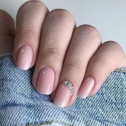 Semplice e super glam!🤩  ✨Rubber Base Blush Shimmer Gold  ✨Diamond Top Coat ___________________________  ✨𝐒𝐇𝐎𝐏 𝐎𝐍𝐋𝐈𝐍𝐄 ✨  Tocca il post o il link in bio   📸 @iuliaa.nails  #Cupio #CupioNails #instanails #naillover #nailsaddict #nailsoftheday #nailstagram #nails #nailart #CupioToGo #Cupiogel #nailsofinstagram #glitter #simplenails #nailsoftheday #nailsonfleek #manicure #instanails #nailsart #naillover #nailsdesign #unghie #unghiegel