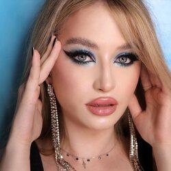 Barbie girl make-up by @alexandra___flaminzeanu 🧚🏼♀️  Prodotti utilizzati per creare questo look: ✨ Stardust Cream Eyeshadows // Moonstone & spice it up  ✨ Star dream loose pigment  Model @titirencobeatrice _________________________ ✨ 𝐒𝐇𝐎𝐏 𝐎𝐍𝐋𝐈𝐍𝐄 ✨ tap sul post o link in bio  #Cupio #CupioMakeup #MagicBeauty #eyeshadow #eyemakeup #Muah #bluemakeup #lovemakeup #instamakeup #makeuplover #makeupaddict #springmakeup #makeuptutorial #makeup #makeupideas #makeupartist #mua #trucco #beauty #tutorial